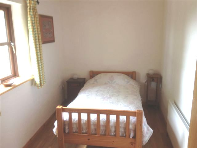 derooran-cottage-bedroom-1