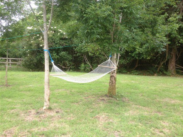 derooran-garden-hammock